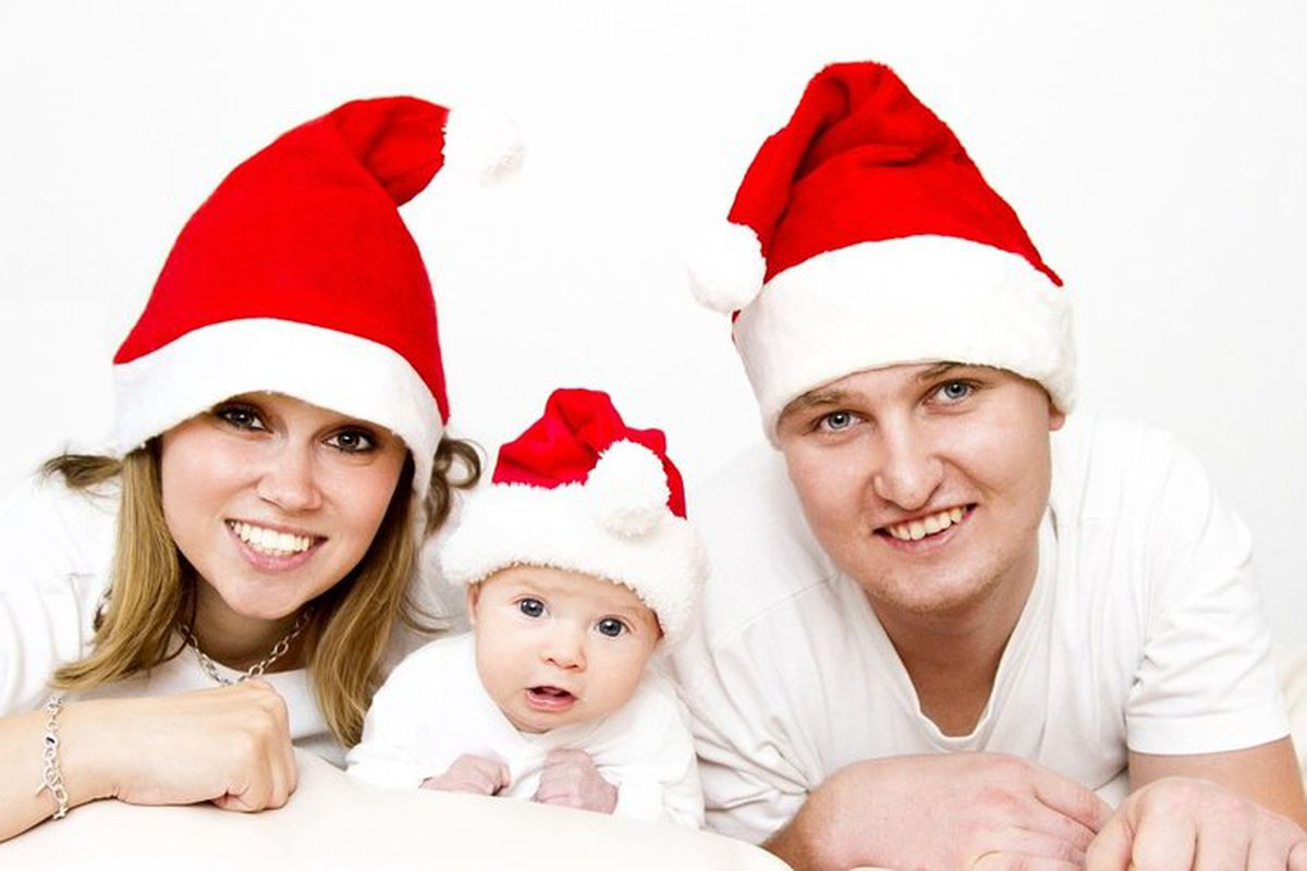 11 Unmistakable Signs That Mommy And Santa Are Having An Affair