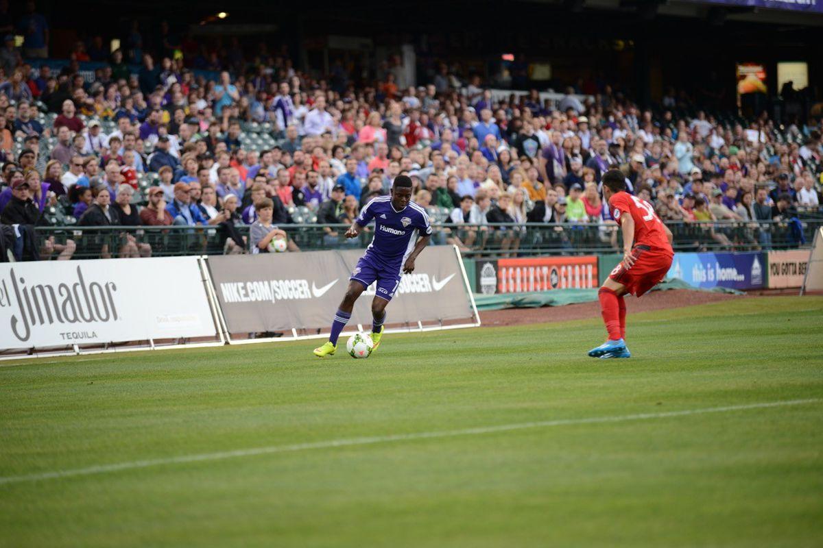 Kadeem Dacres takes on a Toronto FC II player on Saturday.