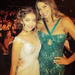 """Sofia vergara and I at the #Emmys!""-Sarah Hyland"