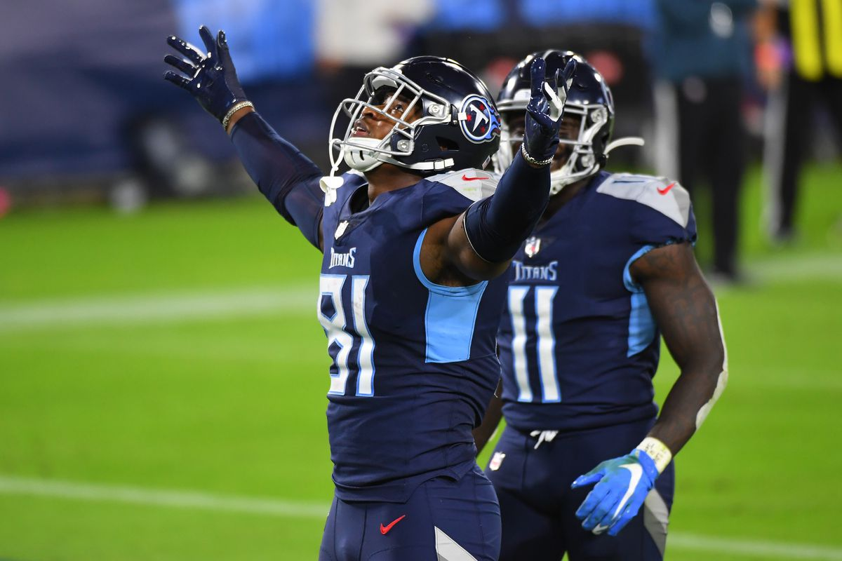 Tennessee Titans tight end Jonnu Smith (81) celebrates after scoring during the second half against the Buffalo Bills at Nissan Stadium.