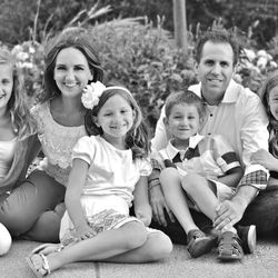 Jenny Oaks Baker and her husband, Matt, with their children. left to right, Laura, Sara, Matthew and Hannah.