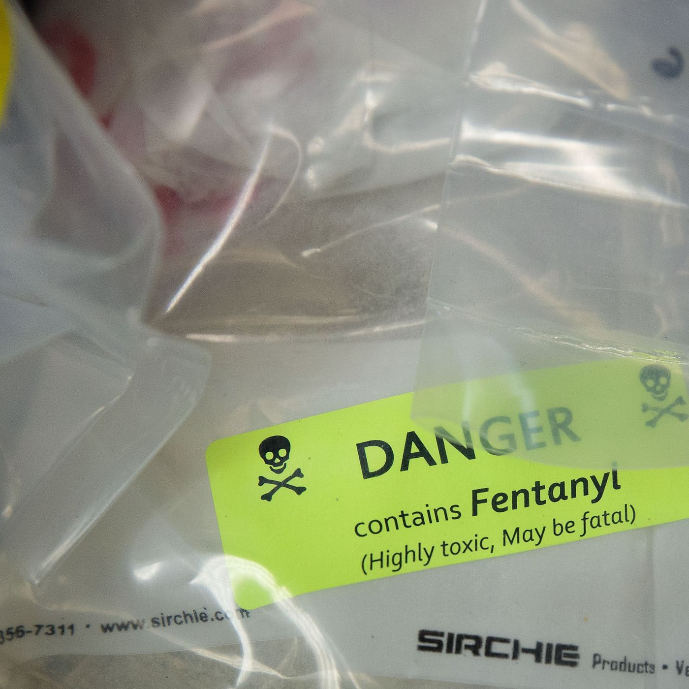 Fentanyl, the latest deadly drug in the opioid epidemic, explained - Vox