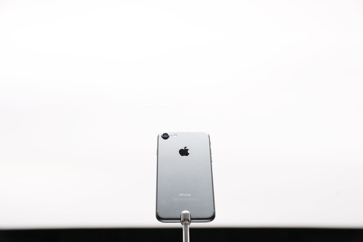 apple u0027s iphone upgrade program how to turn your 6s into a 7 recode