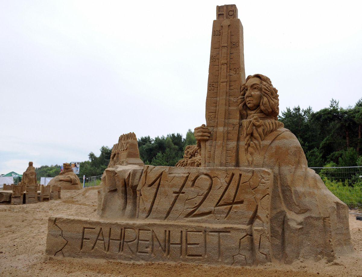 A sand sculpture representing Daniel Gab