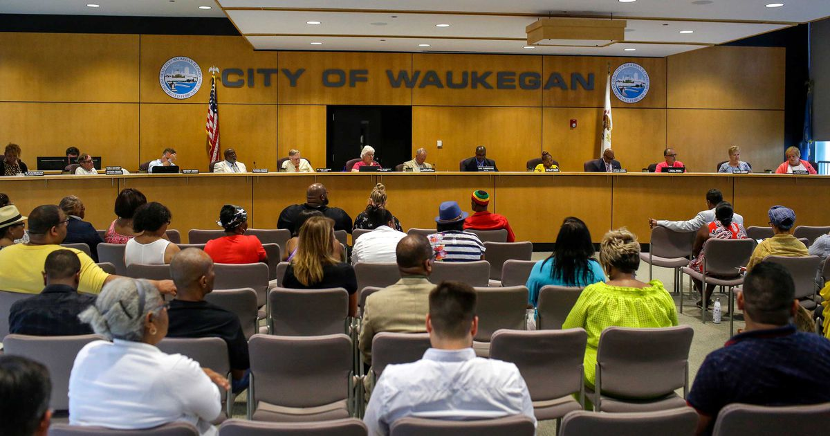 A Waukegan city council meeting Monday at which a proposed casino and video gambling restrictions were discussed.