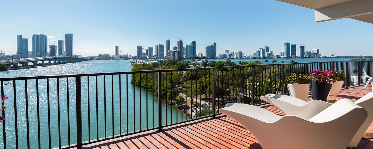 an extraordinary bay view from a miami beach apartment