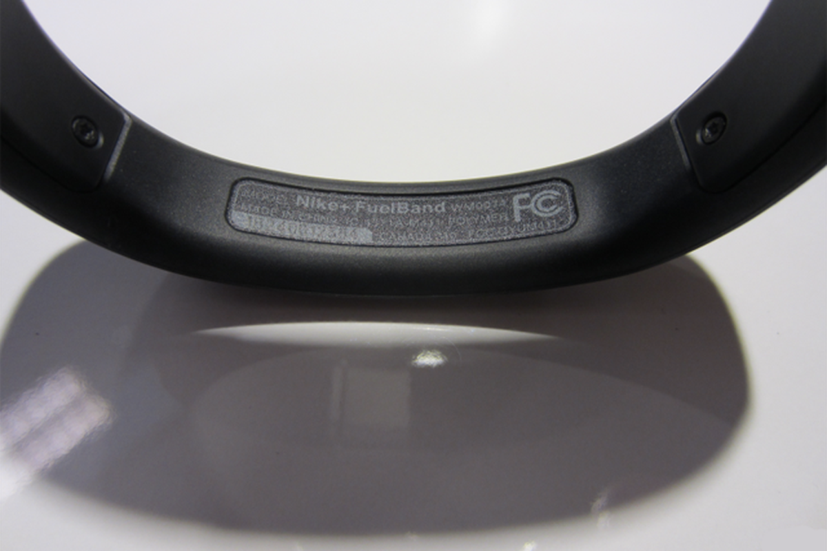 Nike+ FuelBand FCC Label