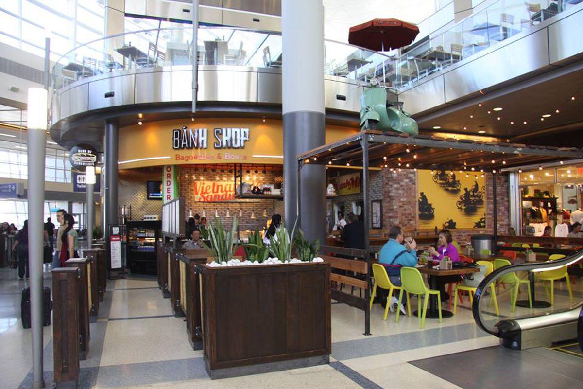Food Court In Dfw Terminal C