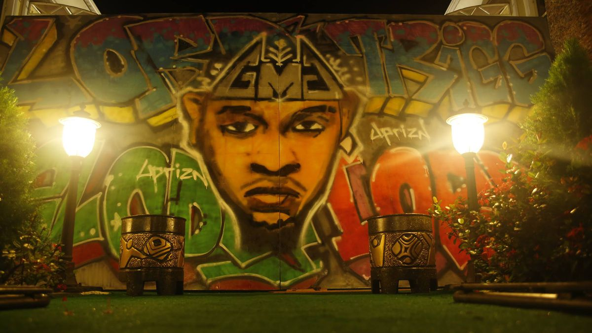 Uprizn Ikpemi worked as an artist in Nigeria before coming to the United States.