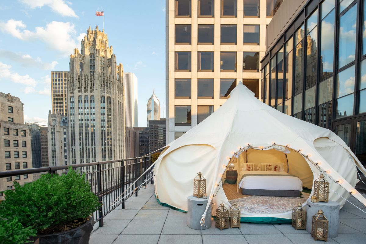 Urban Glamping Pitch A Luxury Tent At Chicago S Gwen