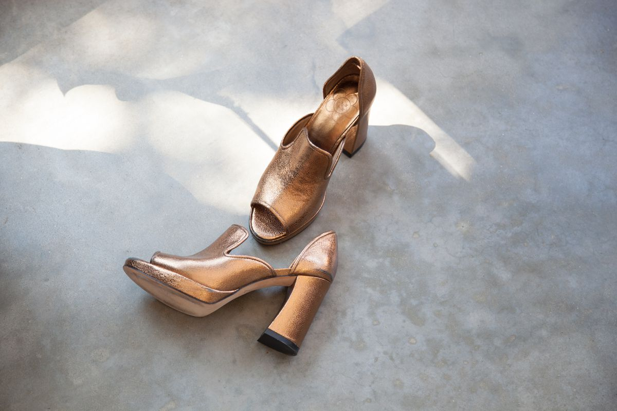 gold-shoes_2015_08