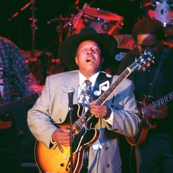 Lonnie Brooks helps to kick off the grand opening of the House of Blues in Chicago. | Sun-Times file photo