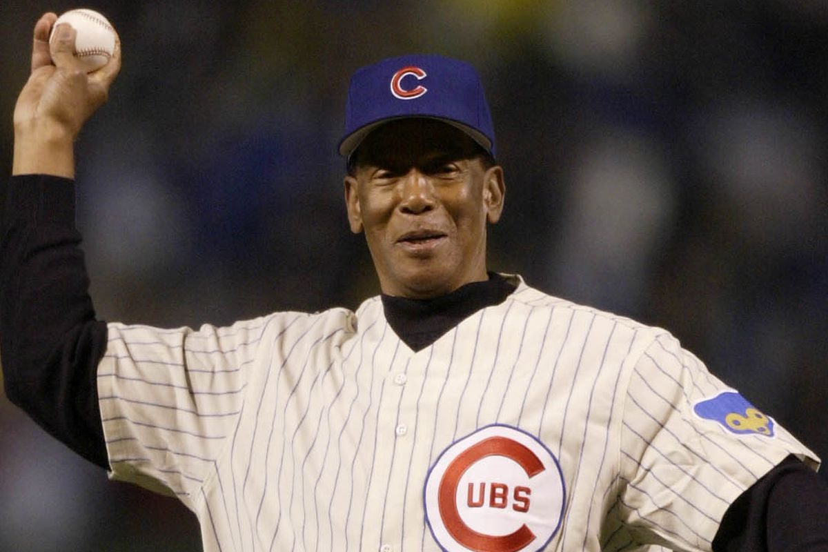 Ernie Banks throws out first pitch