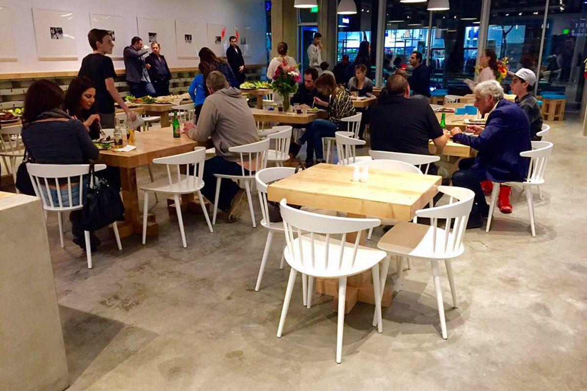Sunnin Lebanese Cafe, Santa Monica
