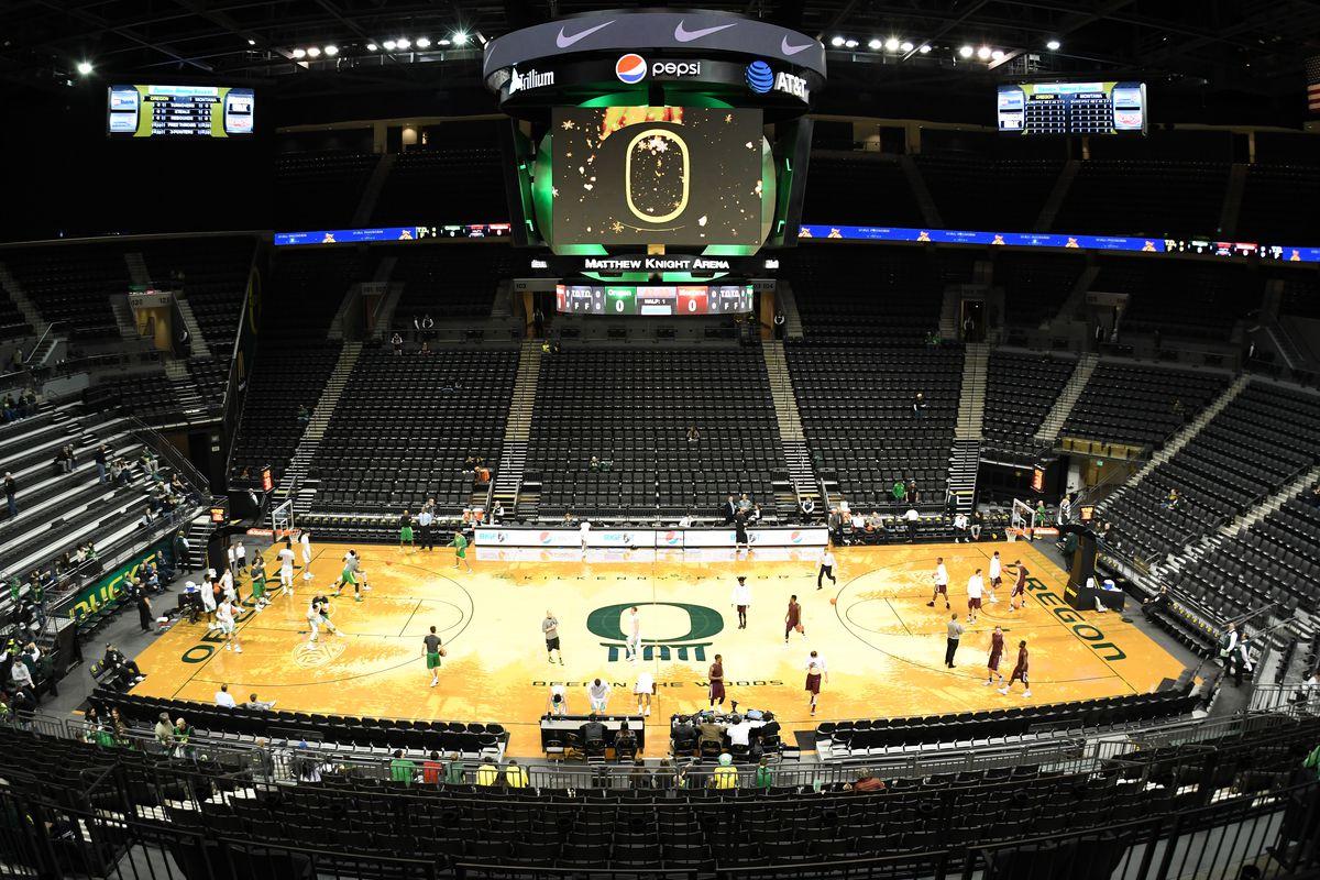NCAA BASKETBALL: DEC 13 Montana at Oregon