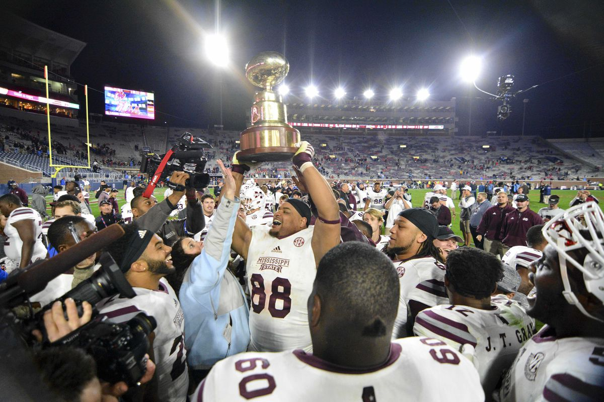 NCAA Football: Mississippi State at Mississippi
