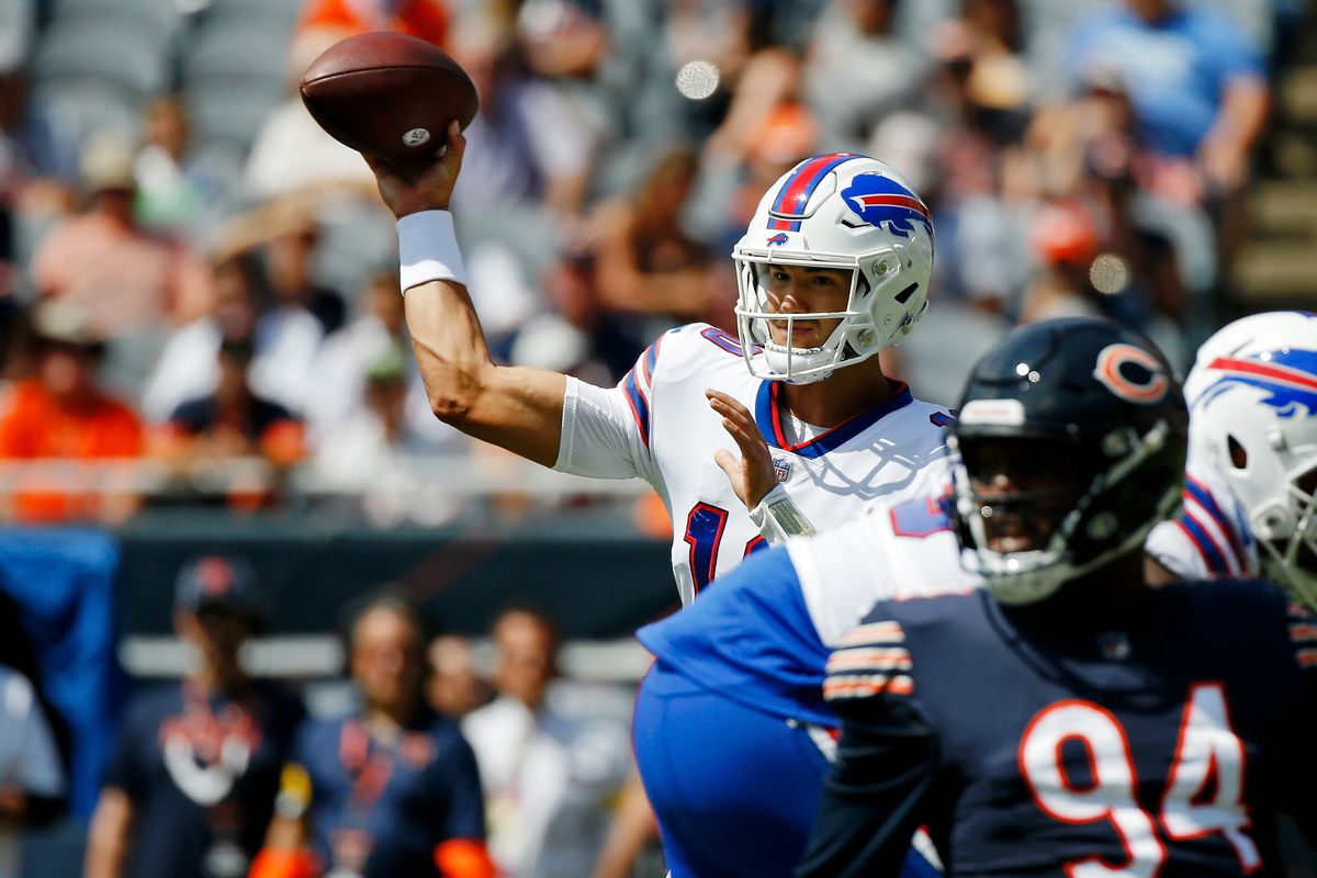 Buffalo Bills quarterback Mitchell Trubisky (10) passes the ball against the Chicago Bears during the first quarter at Soldier Field.