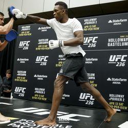 Israel Adesanya at UFC 236 open workouts.