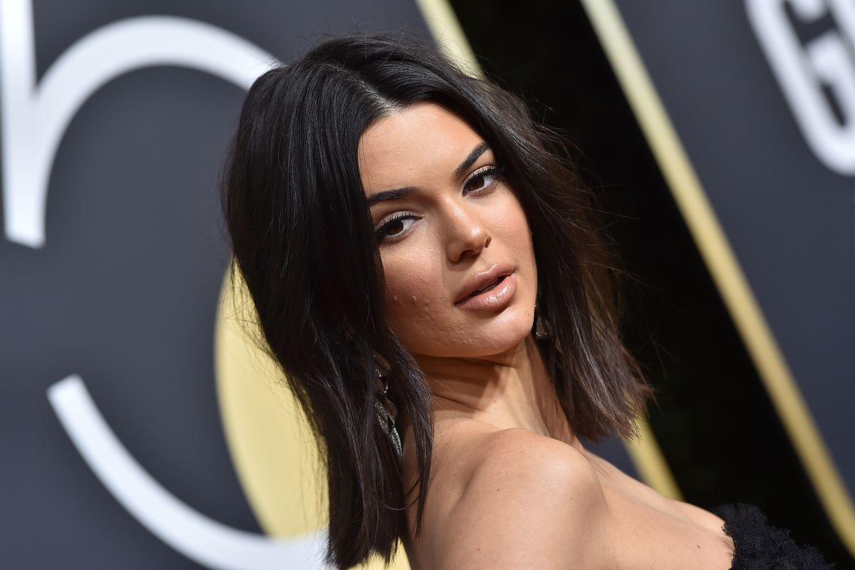 Kendall Jenner at the 2018 Golden Globes ceremony.  Axelle Bauer-Griffin FilmMagic ... 66dc00cb9e9