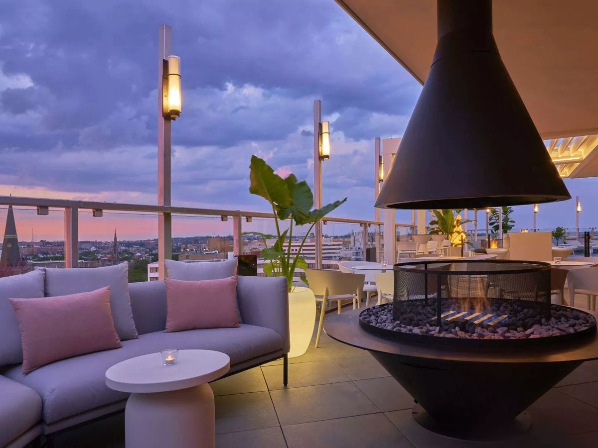Hedy's rooftop bar at Hotel Zena
