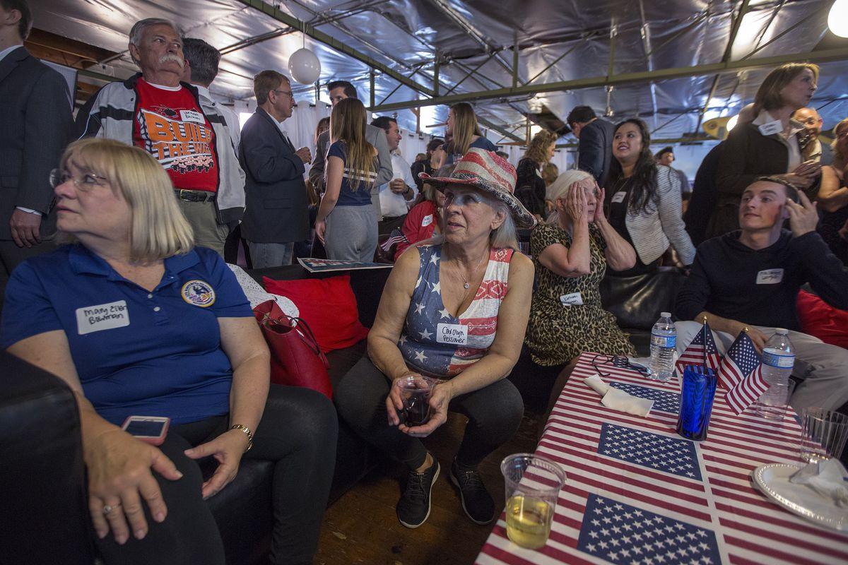 2018 Midterm election forecasts: Democrats are still narrowly
