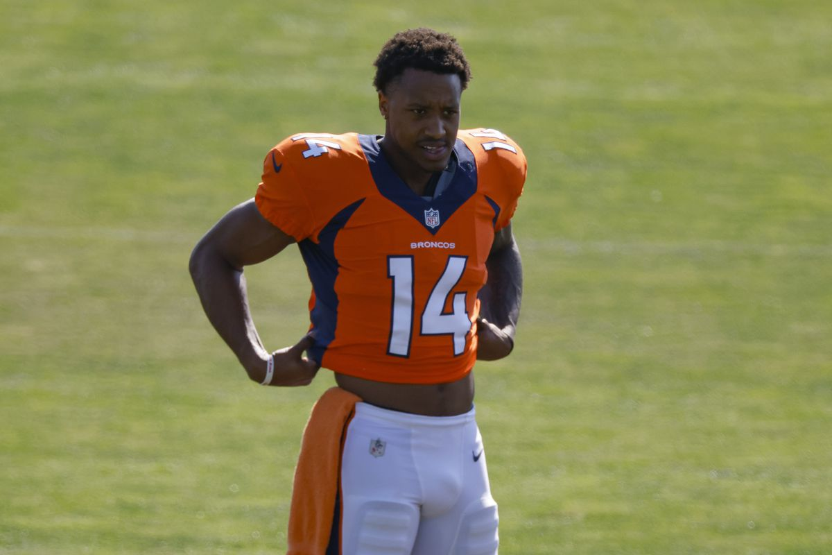 Wide receiver Courtland Sutton of the Denver Broncos adjusts his jersey while stretching during a training session at UCHealth Training Center on August 17, 2020 in Englewood, Colorado.
