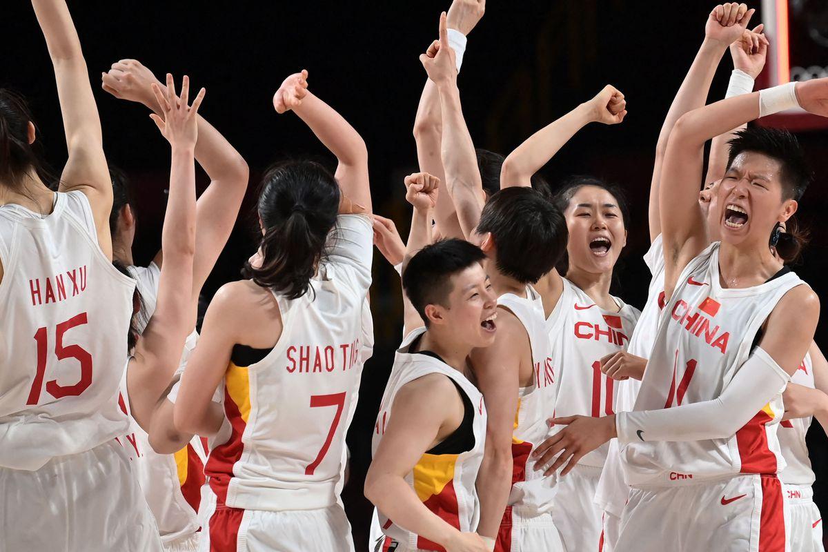 TOPSHOT-BASKETBALL-OLY-2020-2021-TOKYO-CHN-AUS