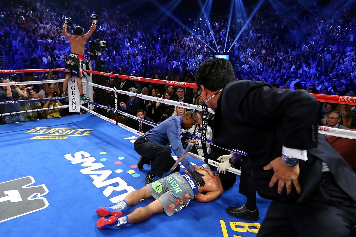 Floyd Mayweather reacts to Manny Pacquiao knockout loss