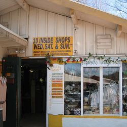"""<strong>6) Golden Nugget Flea Market</strong><br> <em>1850 River Road, Lambertville, N.J.; (609) 397-0811</em><br>  Open year-round, Lambertville's Golden Nugget Flea Market has been on the scene since 1967. It's not exactly a """"curated"""" type of place,"""