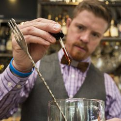 For his bitters, Eakin adds 8-10 drops of a <b>tobacco version</b> that his friend makes in Seattle. The bitters, made with sweet leaf tobacco, gives the drink a warm, southern feel that complements the oak in the Knob Creek® Bourbon.