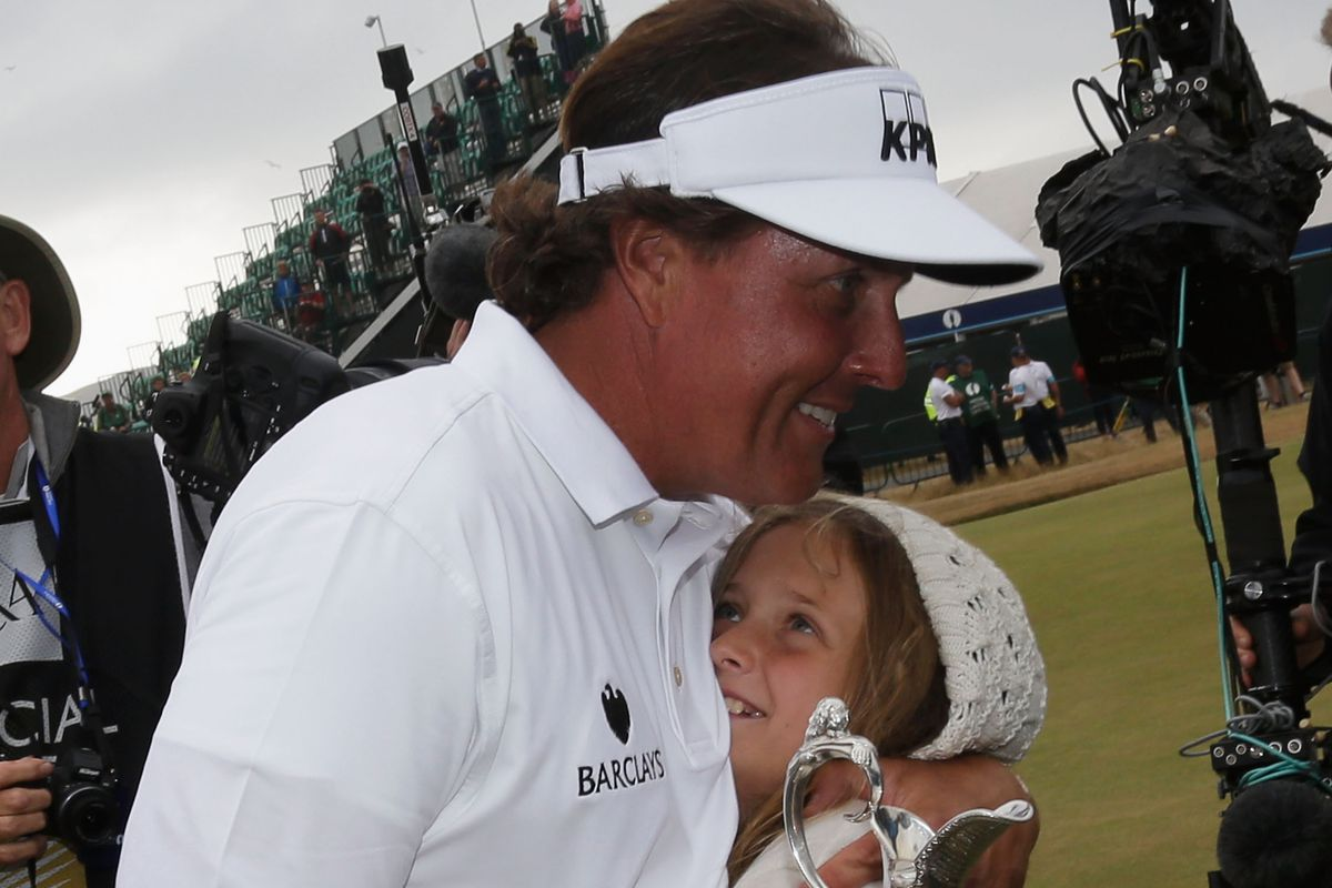 Phil Mickelson to skip U.S. Open for daughter's graduation