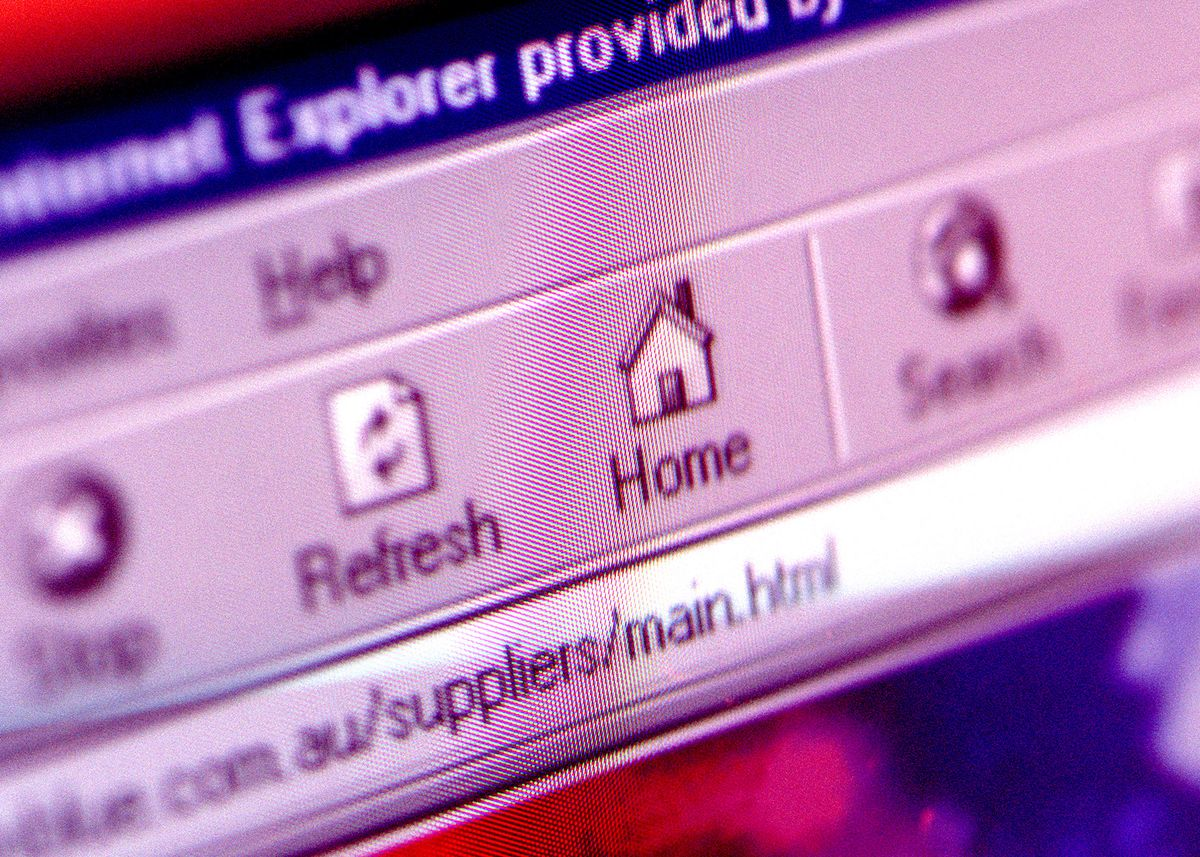 A close up of an internet explorer page, 13 April 2001. AFR Picture by LOUIE DO