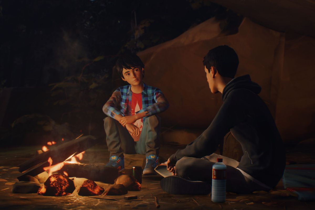 Life is Strange 2 screenshot of Daniel and Sean Diaz by the fire