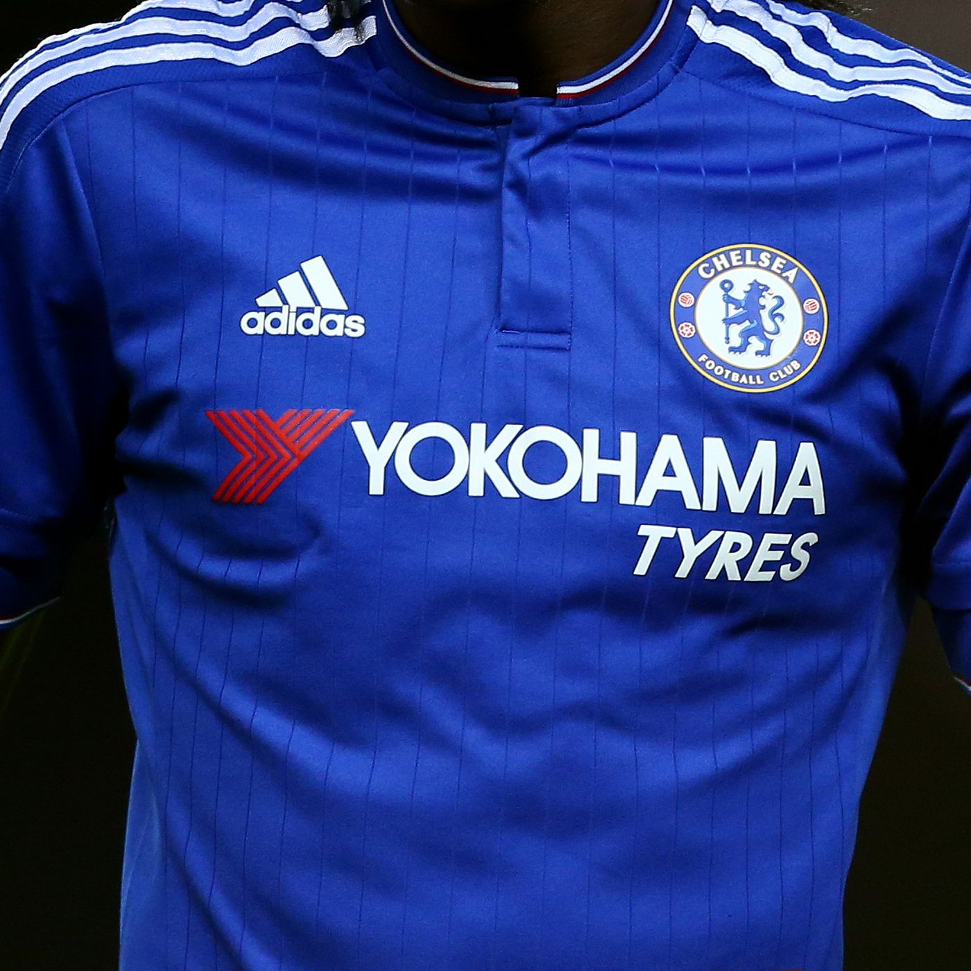 outlet store 25852 1d466 Chelsea 'testing the market' for new shirt sponsor - We Ain ...