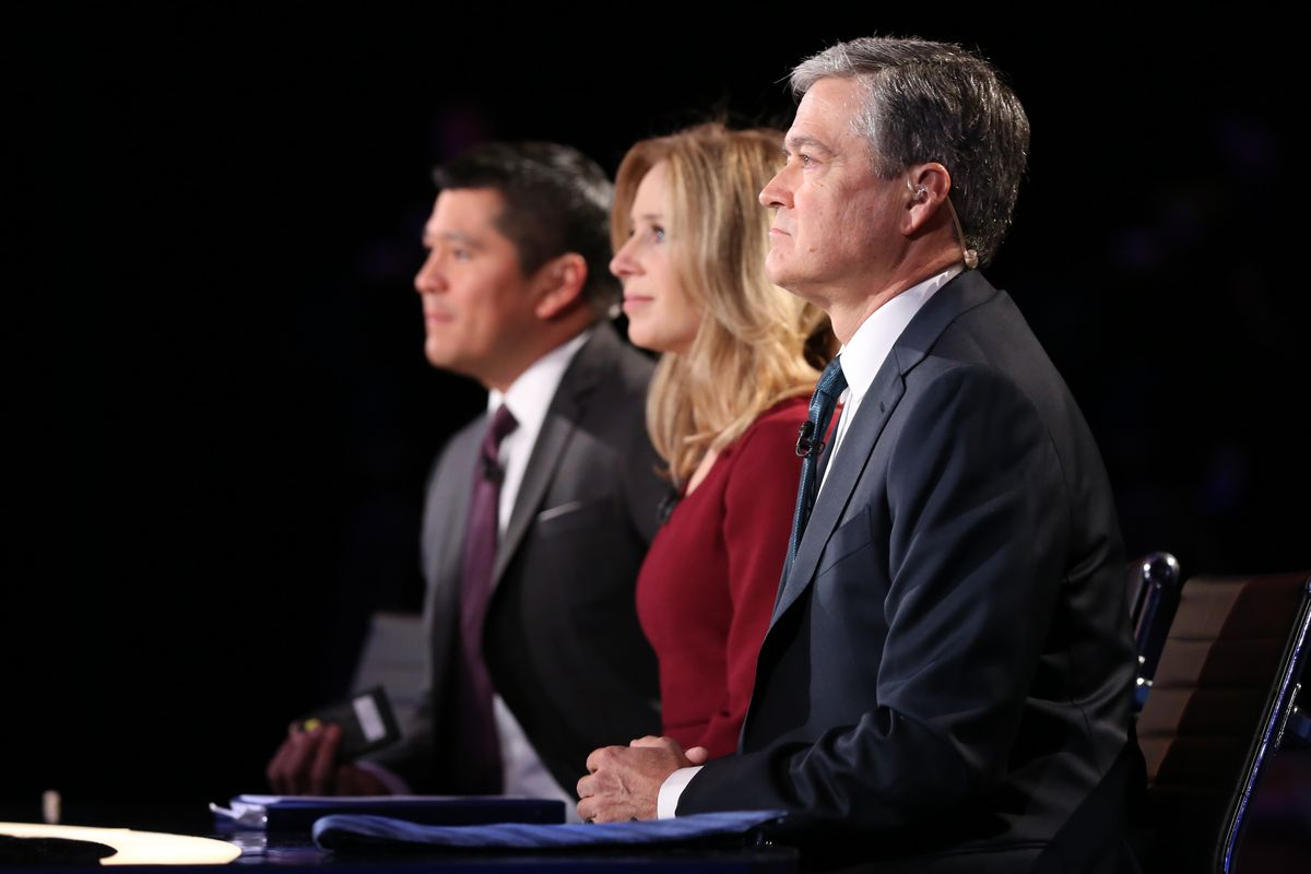 The Republican-leading crowd cheered every time candidates attacked moderators Carl Quintanilla, Becky Quick, and John Harwood. (Adam Jeffery/CNBC/NBCU Photo Bank via Getty Images)