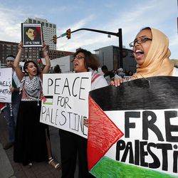 Shamsa Hussein participates in a pro-Palestine rally in Salt Lake City, Thursday, July 31, 2014.