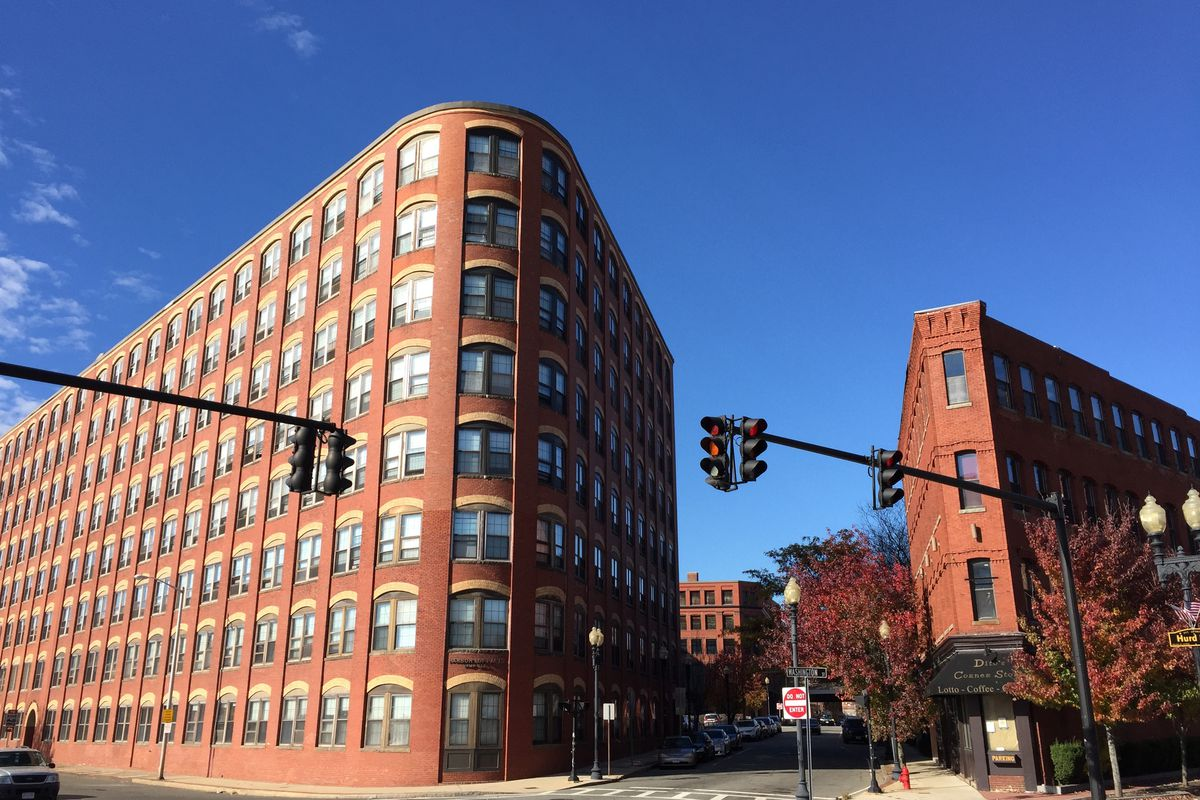 boston area one bedrooms for no more than 150 000 head to lynn