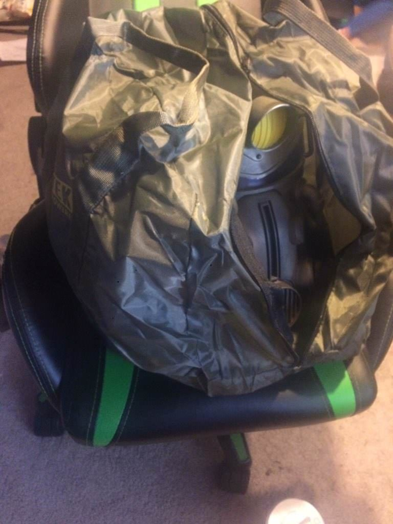 f7933141dc09 Fallout 76 Power Armor Edition Bethesda Softworks. This is an image of the nylon  bag that was shipped  Imgur. Here s ...