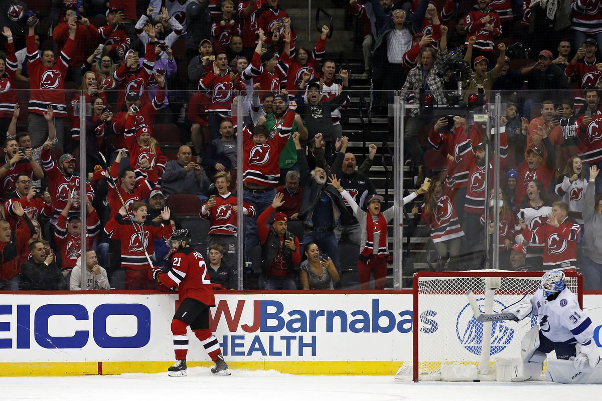 new jersey devils pull out a 5 4 shootout win over tampa bay