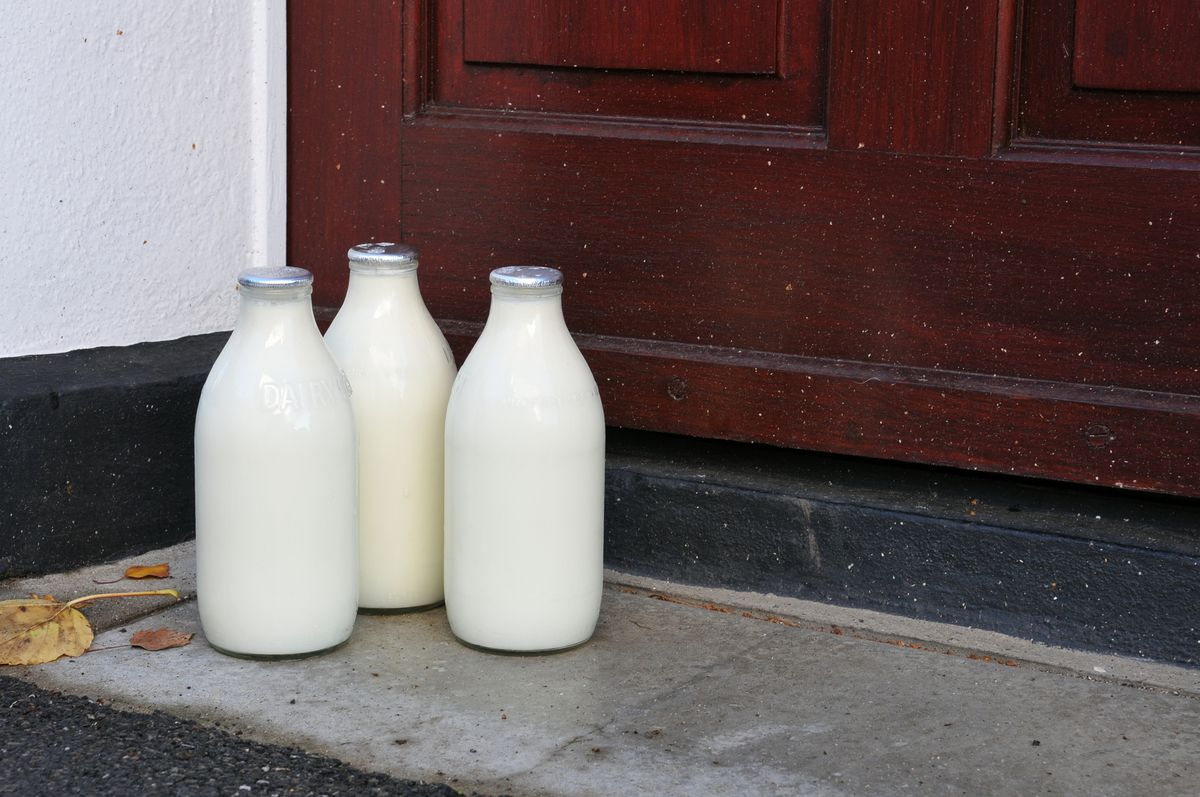 Milk delivery on a porch in Maryland.