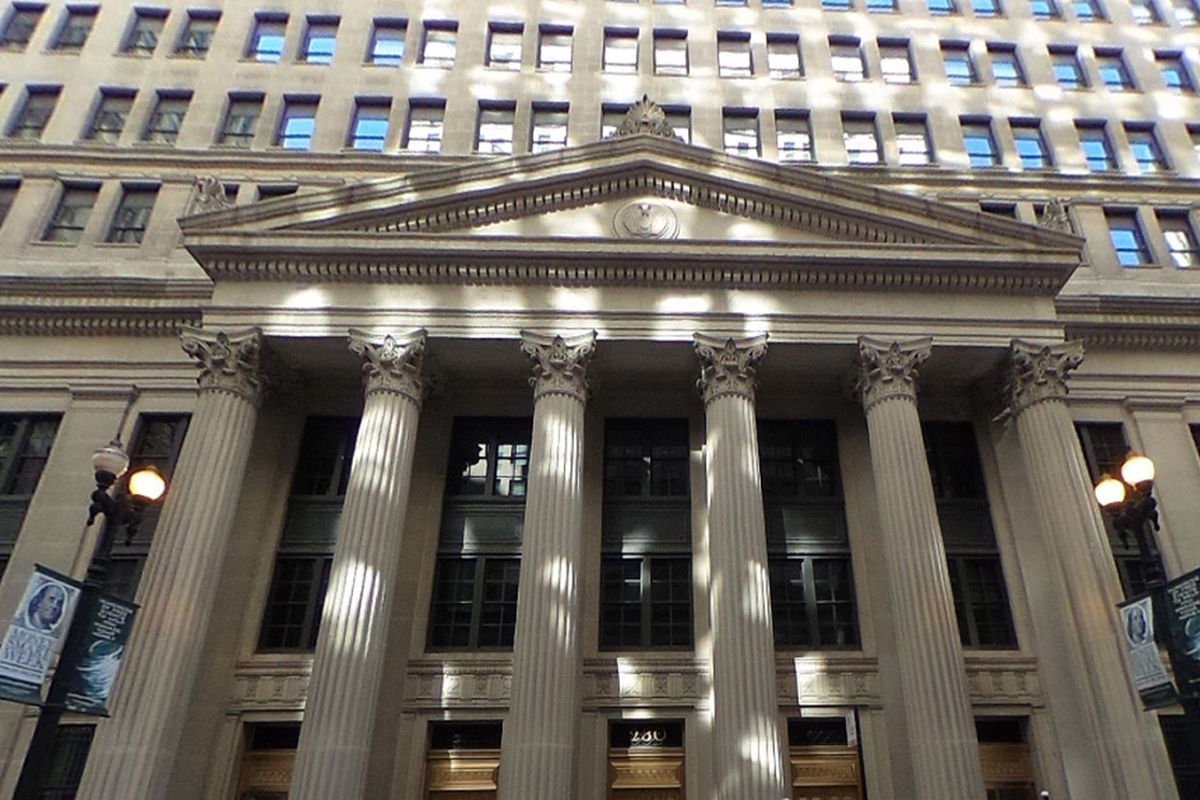 Former Federal Reserve Bank of Chicago analyst avoids prison
