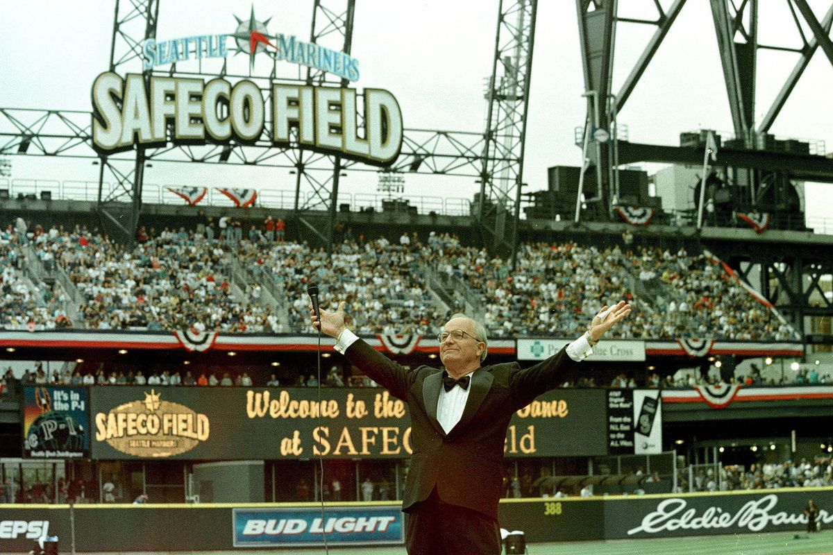 Seattle inaugurates the new Safeco Field against t