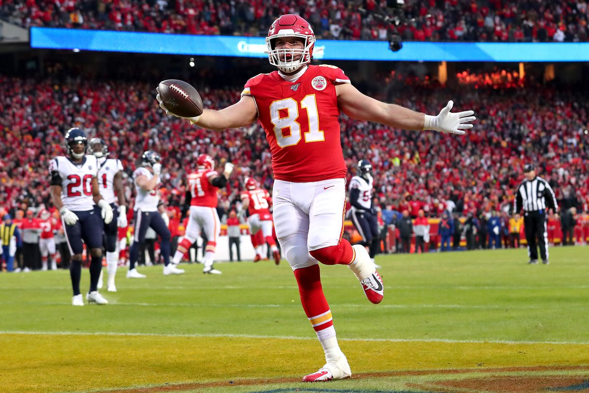 Blake Bell of the Kansas City Chiefs celebrates his eight yard touchdown reception against the Houston Texans during the fourth quarter in the AFC Divisional playoff game at Arrowhead Stadium on January 12, 2020 in Kansas City, Missouri.