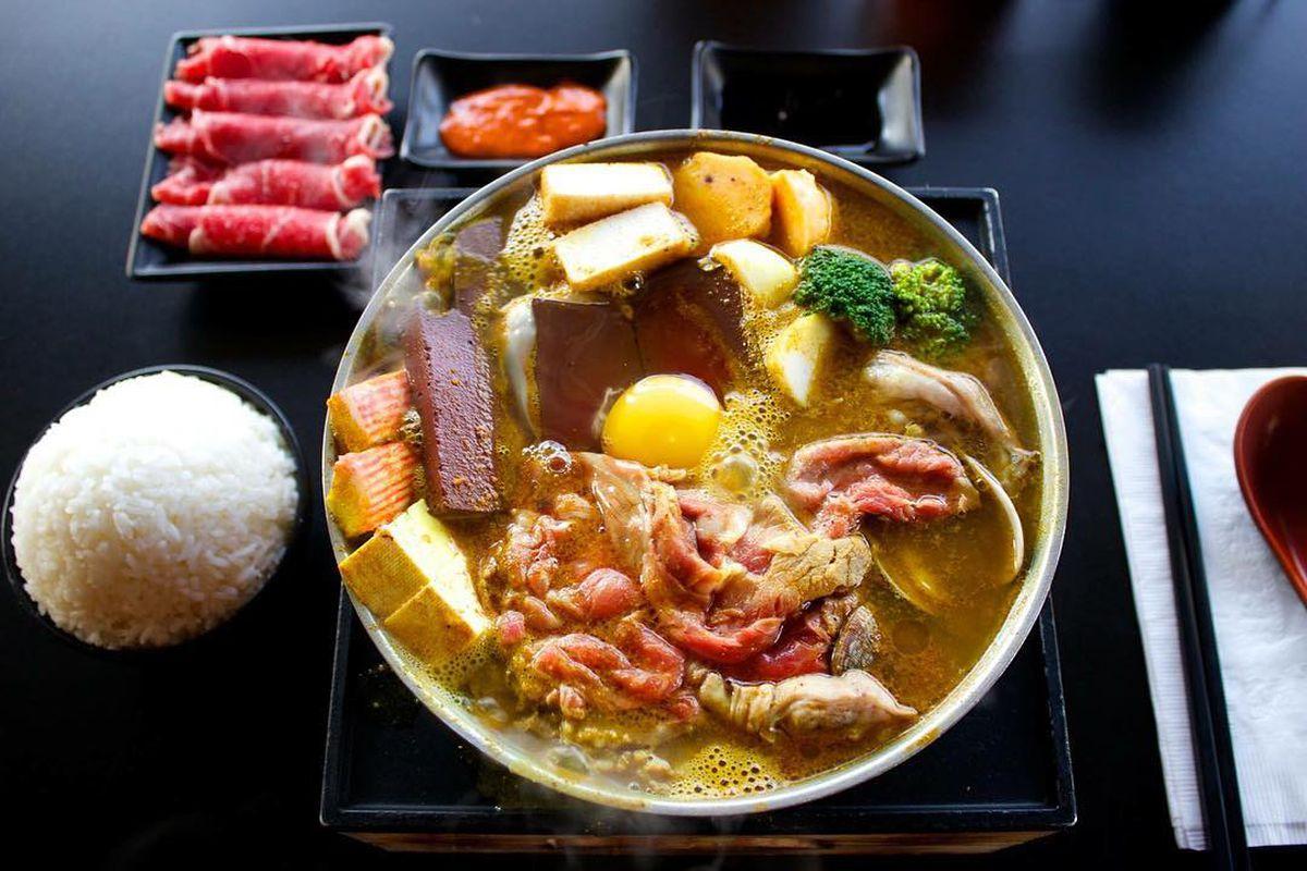 Flame Asian Fusion's curry hot pot