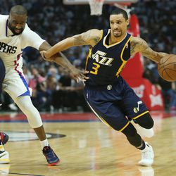 Utah Jazz guard George Hill (3) is denied by LA Clippers guard Raymond Felton (2)  during the NBA playoffs game 2 in Los Angeles on Tuesday, April 18, 2017. The Clippers won 99-91.