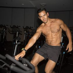 """<a href=""""http://la.racked.com/archives/2013/08/08/hottest_trainer_contestant_7_seth_gee.php""""target=""""_blank"""">Seth Gee of Flywheel Los Angeles</a>"""