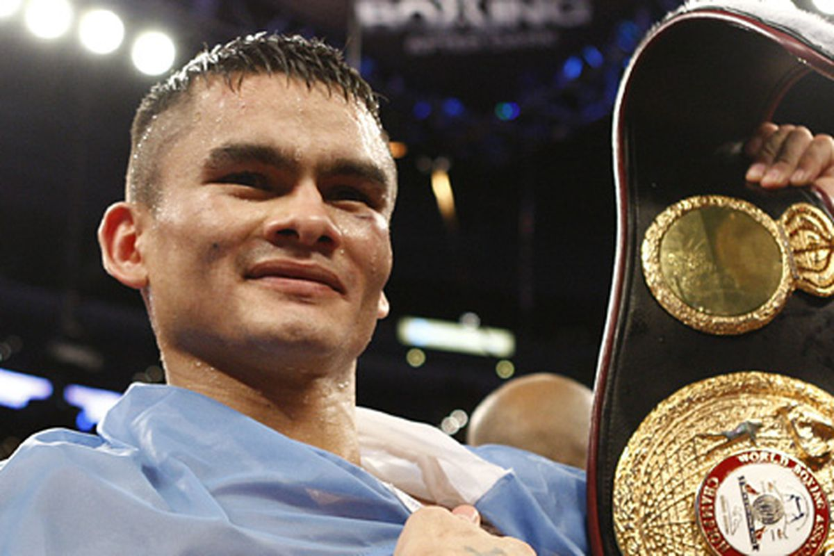 """Marcos Maidana's next opponent could be Victor Cayo, who recently defeated former lightweight titlist Julio Diaz on ESPN2. (Photo via <a href=""""http://www.hbo.com/boxing/img/events/2009/0627-ortiz-maidana/victory/slide_12.jpg"""">www.hbo.com</a>)"""