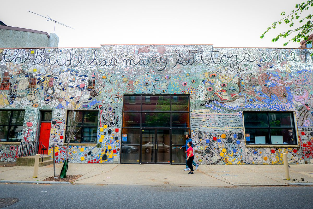 An innovative art center for edgy and experimental music, art, dance, poetry and other performing arts, the Painted Bridge was founded as a cooperative gallery on South Street in 1969 and later evolved into a performance space, moving to its permanent location in Historic Philadelphia's Old City neighborhood in 1982.