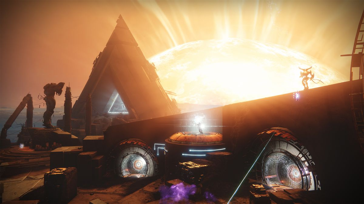 Destiny 2: Curse of Osiris - wide shot of Mercury with Infinite Forest gate in the background with the sun behind it