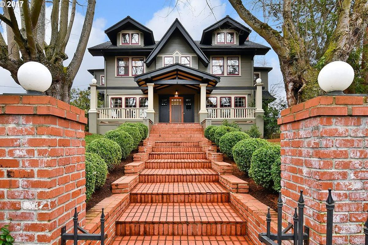 A 1912 Craftsman In Portland Asking 999000 Zillow